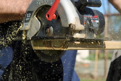10-Point checklist To Prevent Circular Saw Kickback