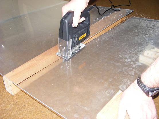 cutting plexiglass with jigsaw