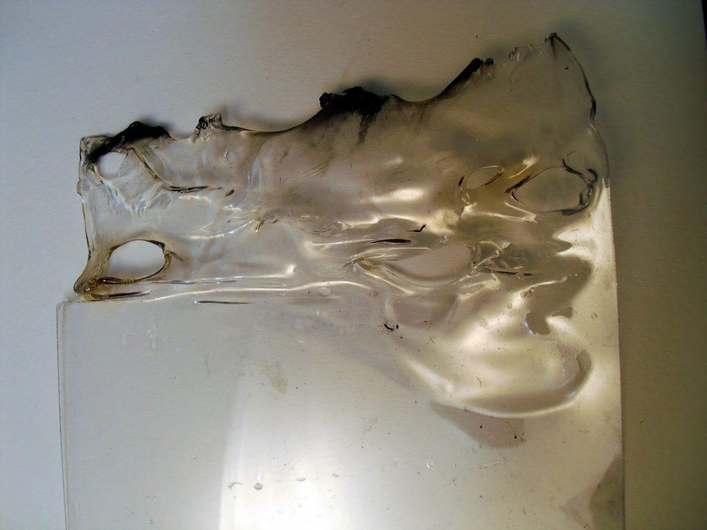 melt plexiglass while cutting