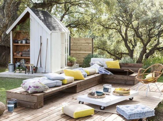 Cozy and colorful PALLET