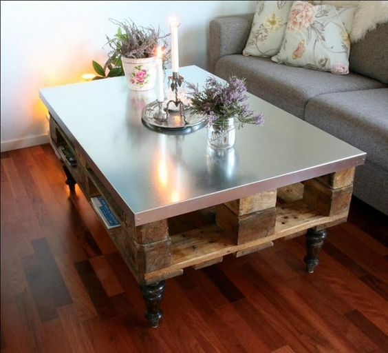 Pallet coffee table with stainless steel top