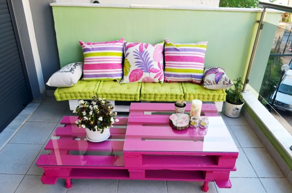 Pink pallet coffee table for balcony
